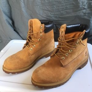 Men's Timberland 6-inch Boots Size 11.5